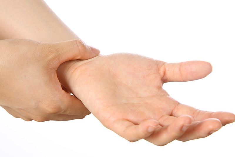 首・手の痛み
